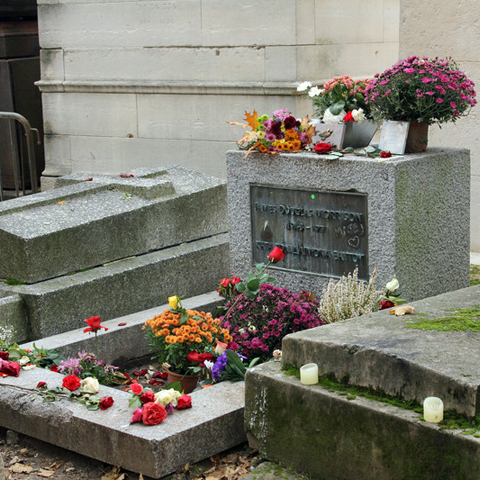 THE GRAVE OF JIM MORRISON TODAY
